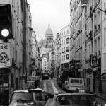 Bas de la rue de Chartres et immeuble de Pottier © Sébastien Rutés (2018)