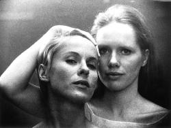 Bibi Andersson et Liv Ullman dans Persona (Ingmar Bergman)