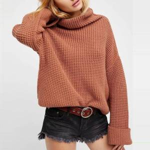 Pull ample col roulé tricot