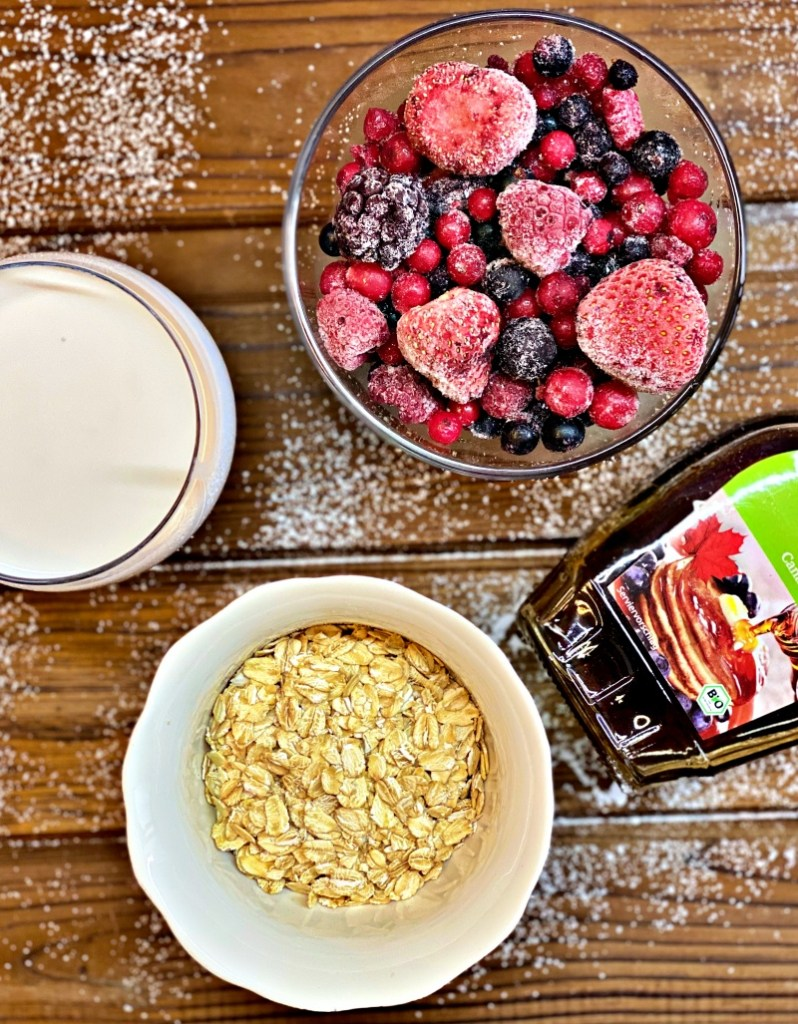 Frozen Berry Smoothie ingredients