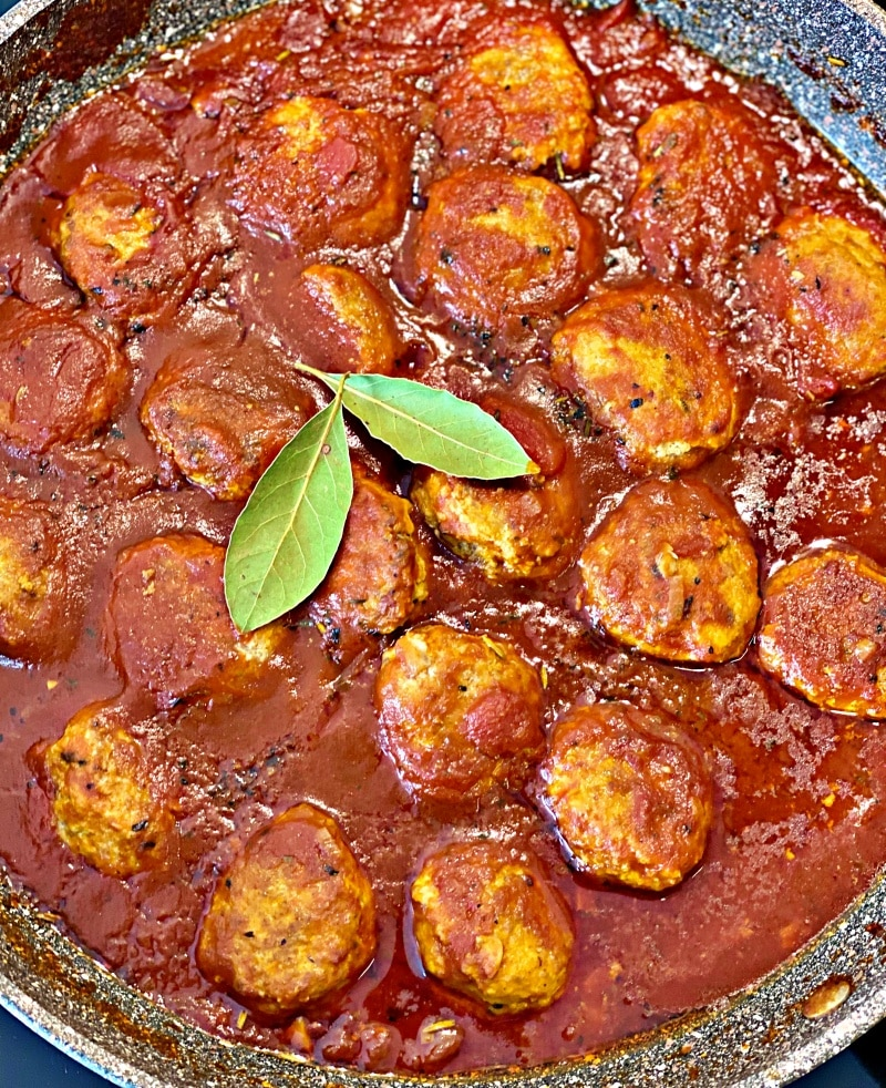 The best homemade meatballs are very juicy, rich, and hearty loaded with intense flavors