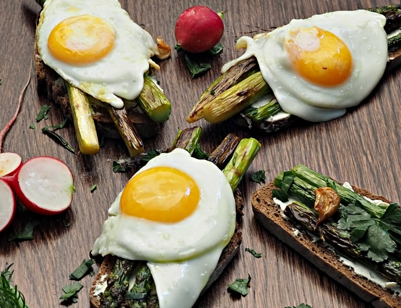 Asparagus & Eggs on Toast for Breakfast