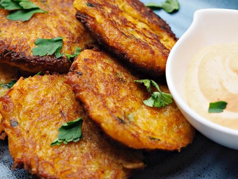 vegan fritters with sriracha sauce