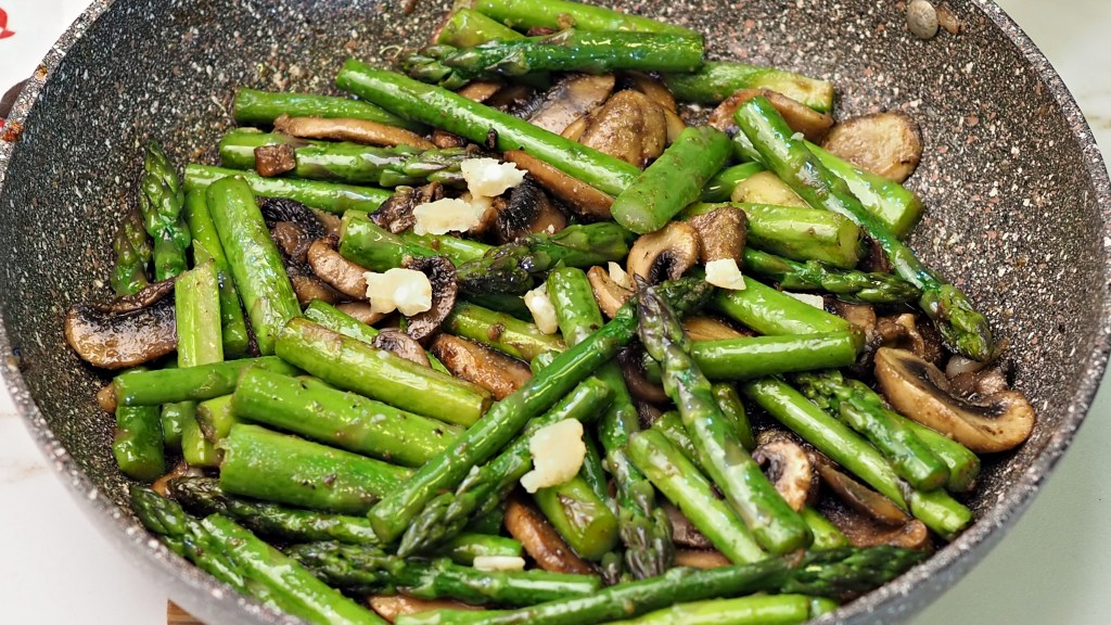 Frittata with Asparagus Mushrooms