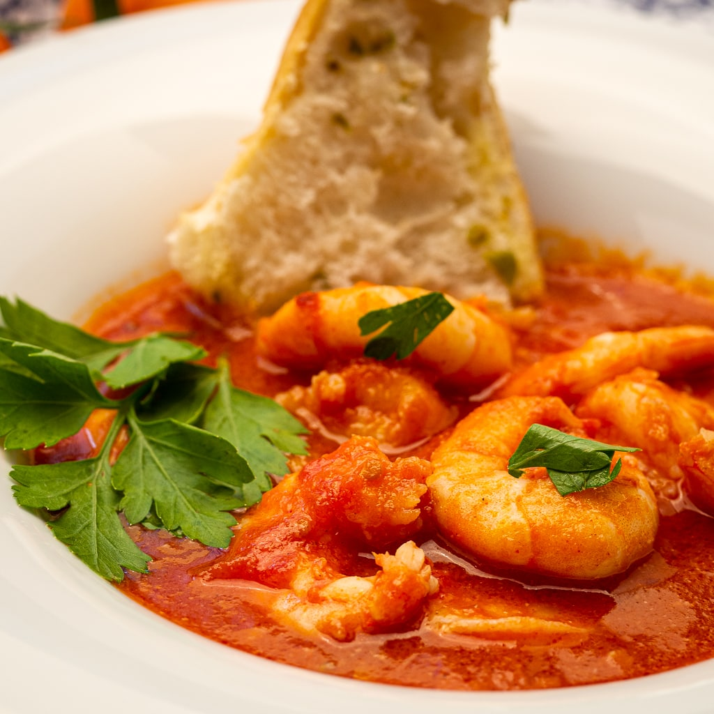 garlic tomato sauce with shrimps