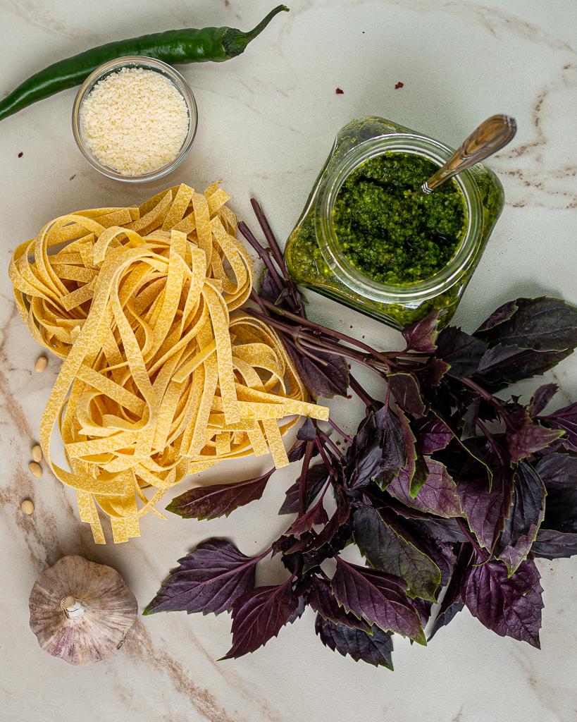 ingredients for linguini with pesto recipe