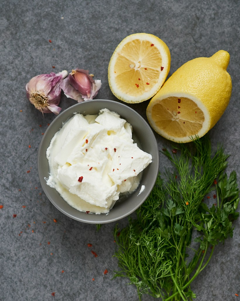 Lemon sauce with yogurt