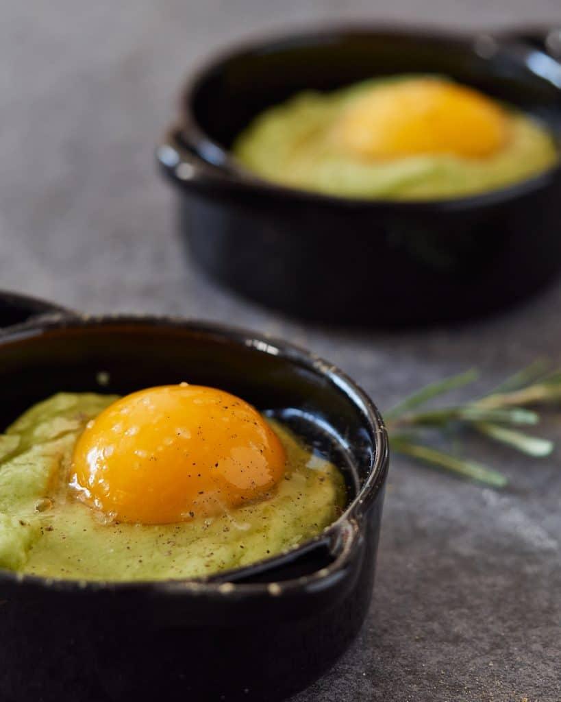 Baked eggs with avocado Hollandaise sauce