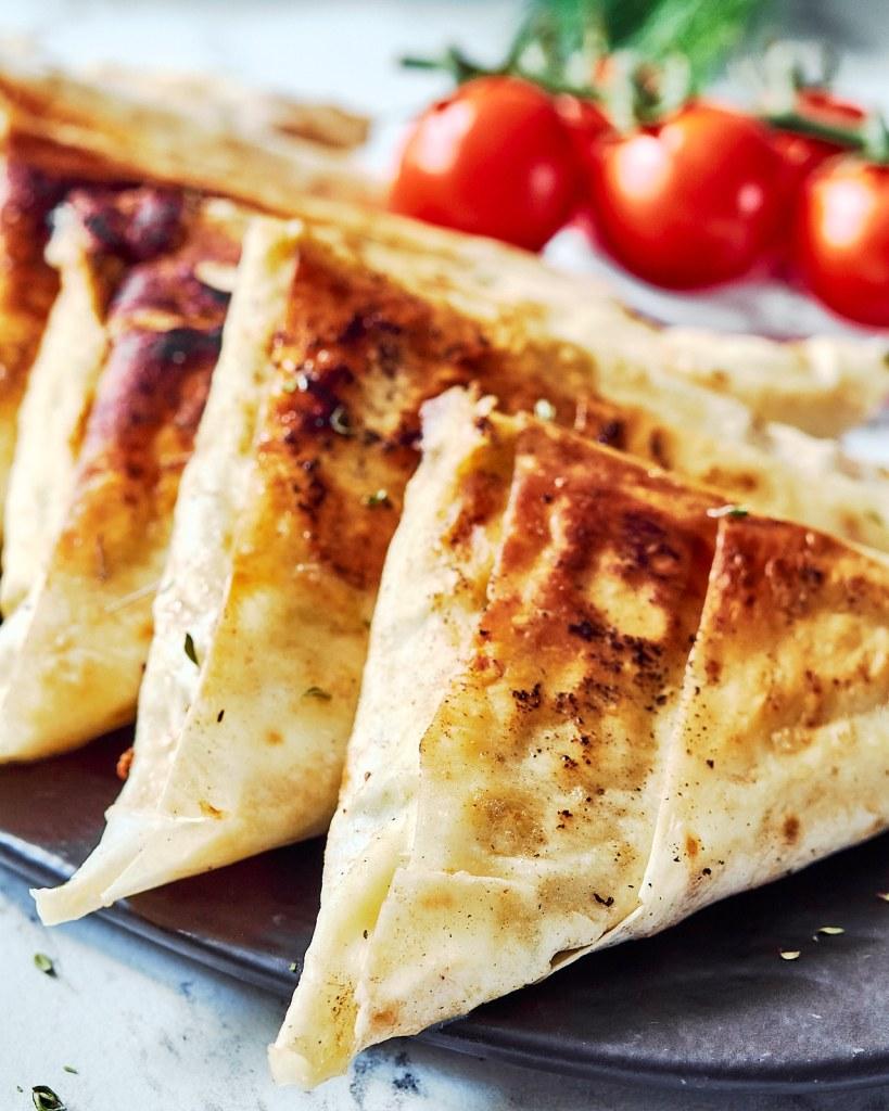 Flat-Bread Cottage Cheese Pie