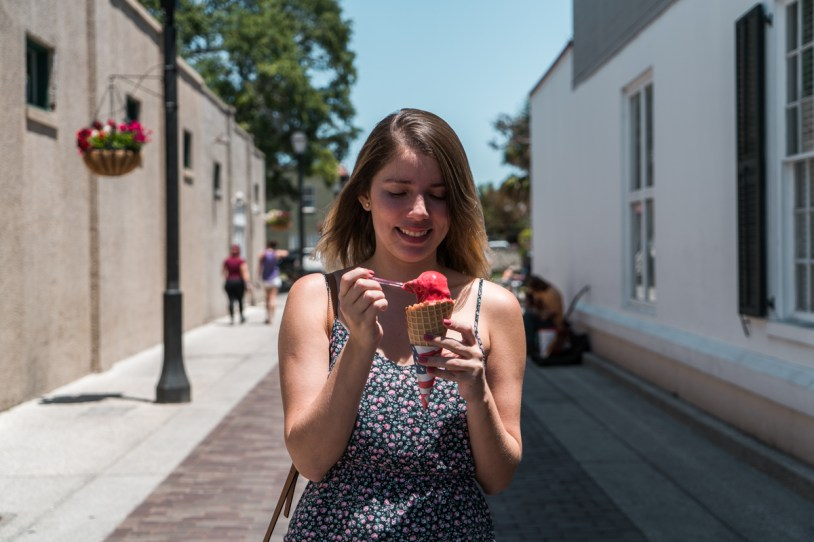 Tomando sorvete na St Geroge Street, em St Augustine