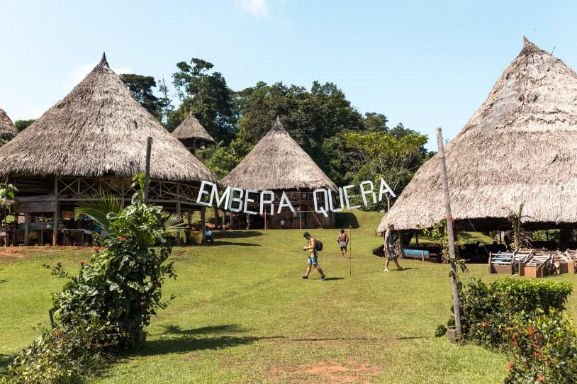 "O nome da tribo é Embera Quera, que na língua deles significa ""Perfume Embera""."