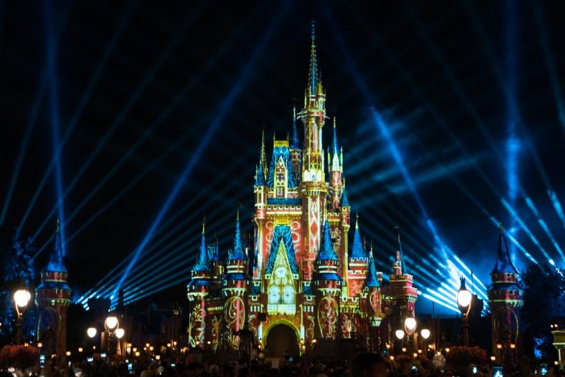 Magic Kingdom e o show de fogos de artificio no castelo