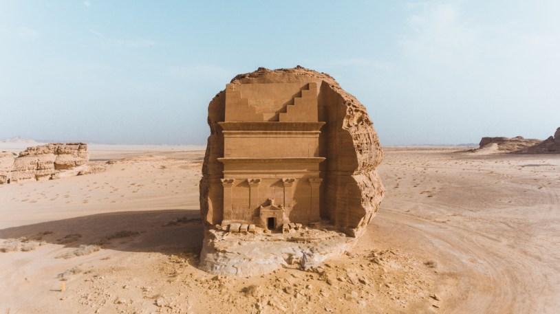 A tumba Al Farid é uma das mais famosas no deserto da Arabia Saudita.