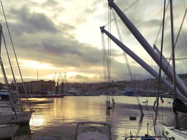 Vieux port - Genova, Italia -Delicieuse Vie