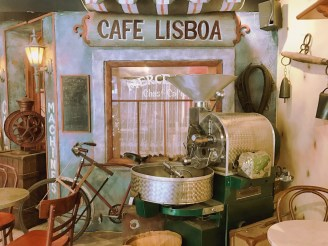 Interior Cafe Paolo Lisboa Montreal by Delicieusevie