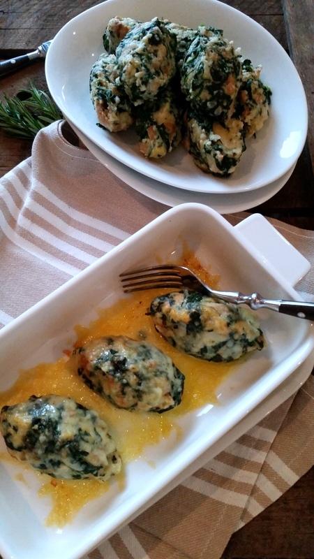 Gratinierte Spinatnocken mit Käse und dazu noch eine Kochbuch- Empfehlung