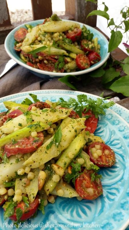 Würziger Spargelsalat auf italienisch mit spanischer Chorizo