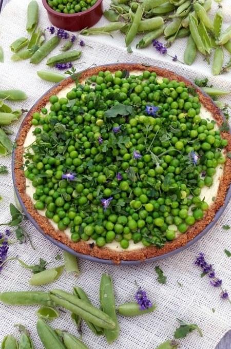 Pikanter Ricotta- Cheesecake mit Erbsen