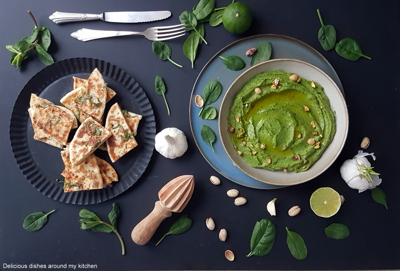 Spinat- Avocado- Hummus mit frischem Naan Bread