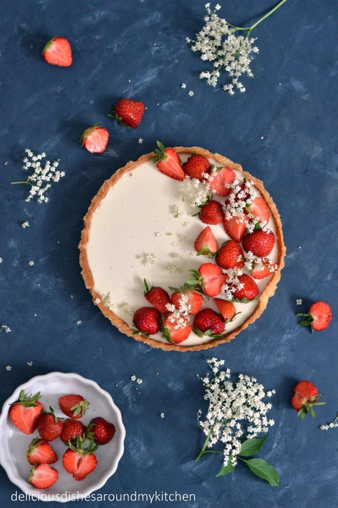 Tarte mit Holunder- Panna Cotta und frischen Erdbeeren – Delicious dishes around my kitchen