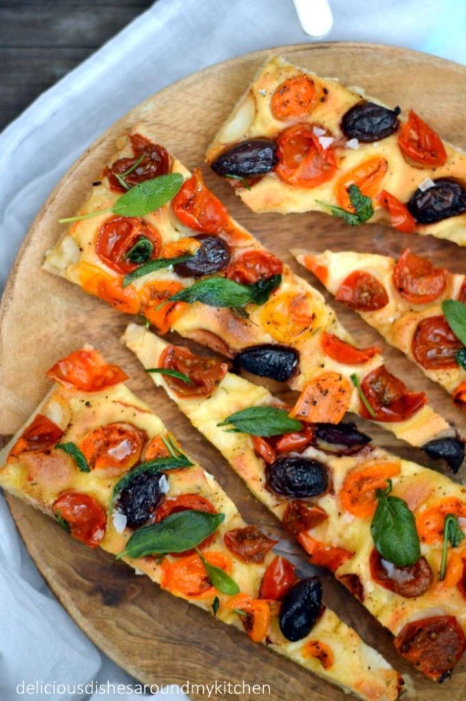Sommerzeit-  Tomaten- Oliven-Focaccia mit Salbei – Delicious dishes around my kitchen