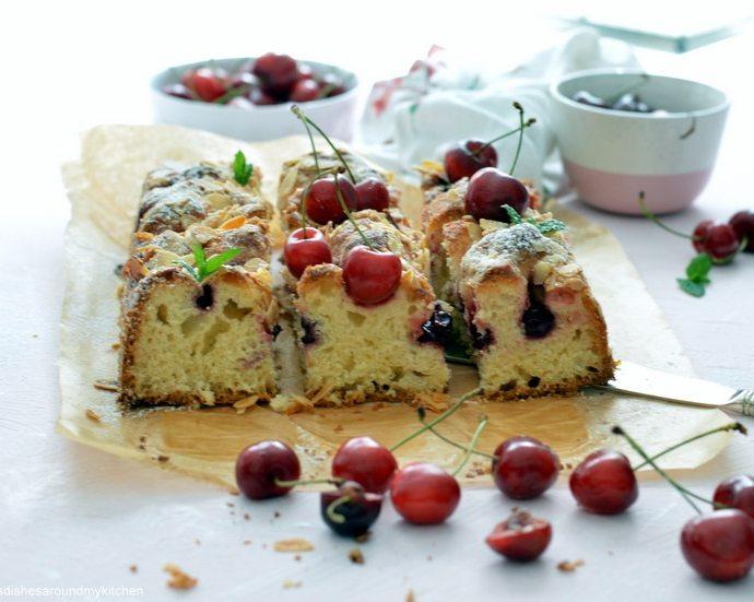 Fluffiger, lauwarmer Lieblingskuchen- Sauerkirsch- Vanille- Butterkuchen