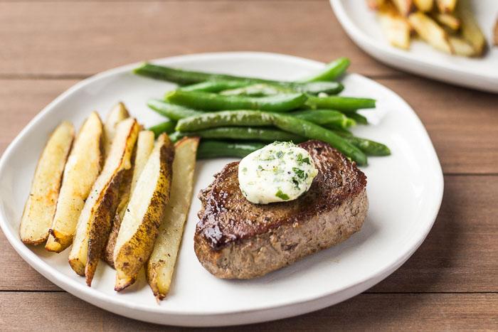 Home Chef Brasserie-Style Sirloin Steak