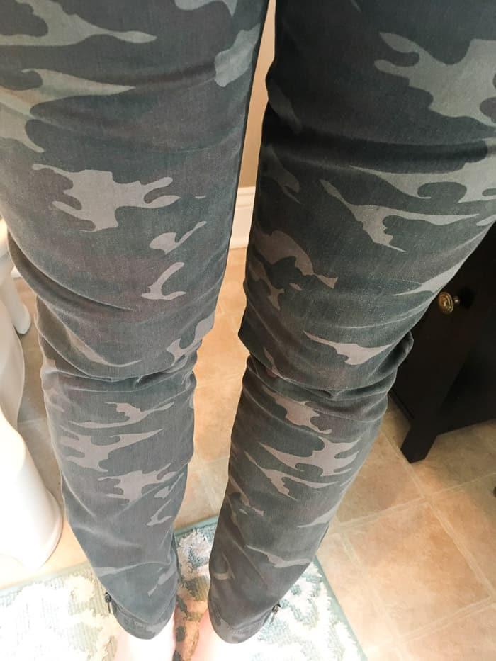 Wearing the Kut From the Kloth Theresa Zipper Detail Printed Cargo Skinny Pant #ad #stitchfix #stitchfixreview #stitchfix2018 #style #fashion