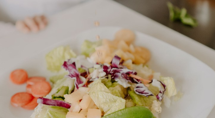 Quick Lunch: Asian Spring Mix Salad with homemade sesame seed vinaigrette