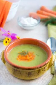 This Creamy Zucchini Soup is healthy, delicious, hearty and comforting. Ready in only 30 minutes.