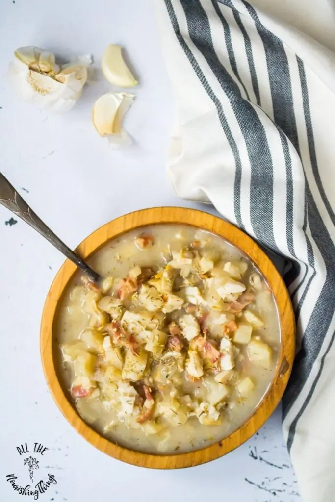 bowl of Instant Pot clam chowder