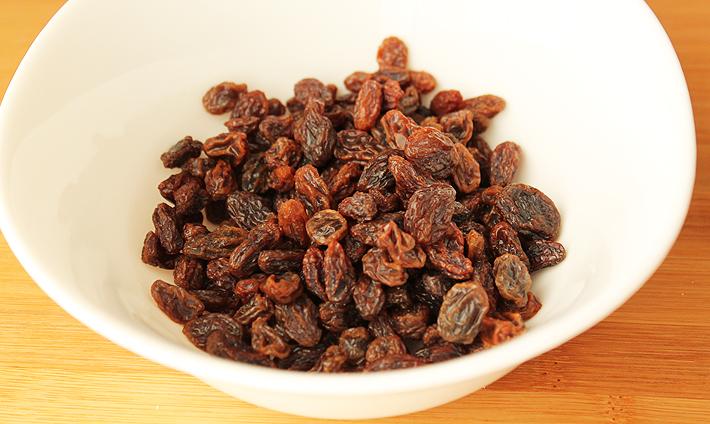 Kitchen Tip – Baking with Raisins