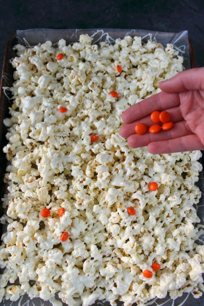 White Recipe Chocolate Pretzel Popcorn