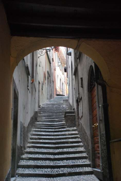 Bellagio_ancient alley