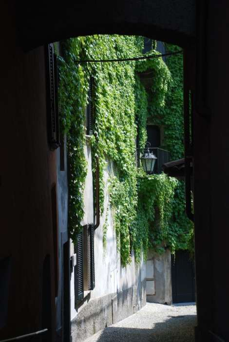 Bellagio_Pescallo_old street