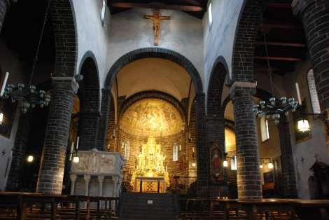 Bellagio_san Giacomo church interior