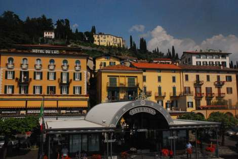 Bellagio_the hill from the ferry