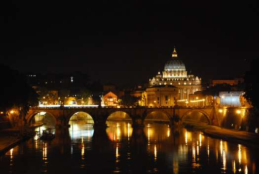 Night walk in Rome - Sant Peters from Ponte Umberto 1°