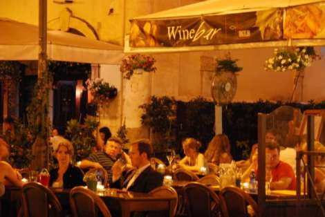 Night walk in Rome - Campo dei fiori_Wine bar_01