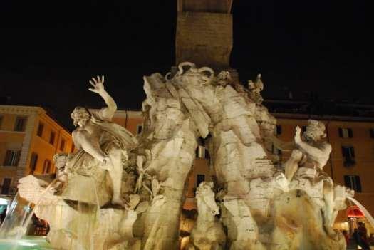 Night walk in Rome - Piazza Navona_ Fontana dei quattro fiumi_01