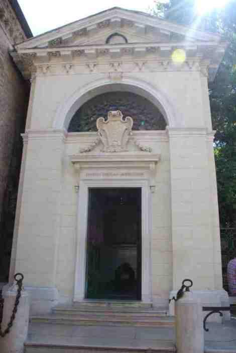 Visit Ravenna_Dante's Tomb 1
