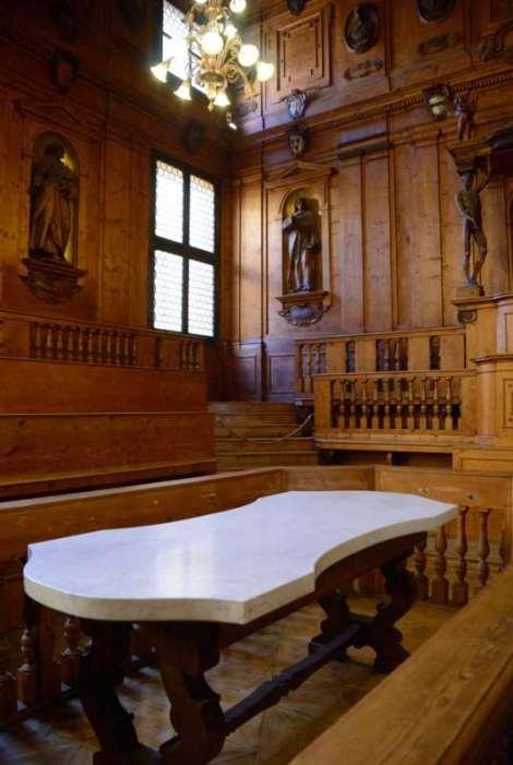 Visit Bologna_Archiginnasio_teatro anatomico 3