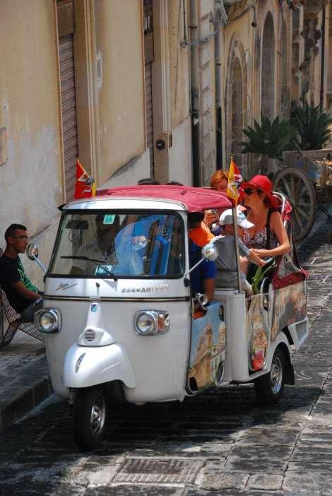 Visit Italy_Noto_Ape3