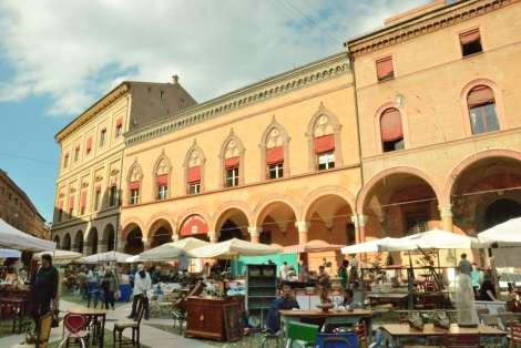 Vist Bologna_Santo Stefano square