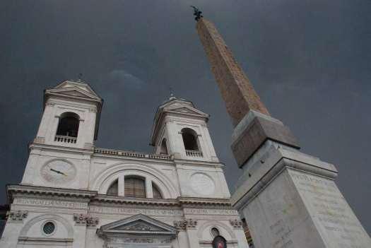 Rome in 5 days - Trinità dei Monti church and obelisk