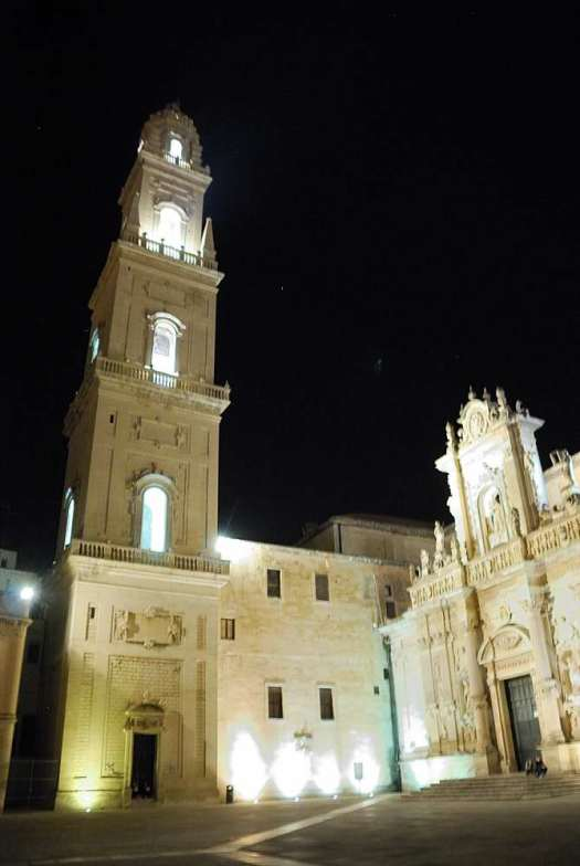 www.delightfullyitaly.com_lecce-by-night__173