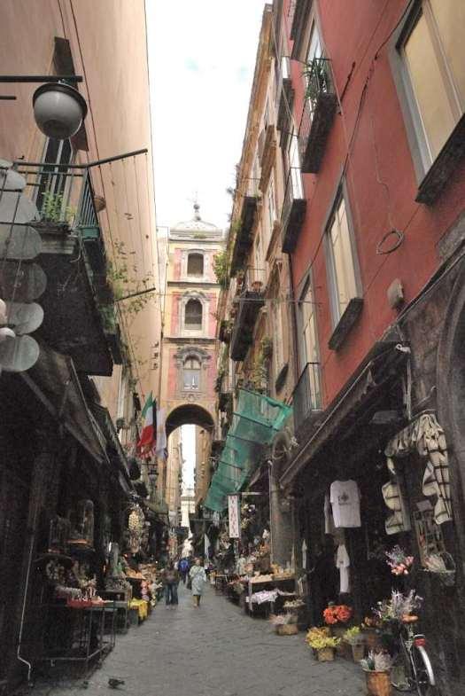 Naples in one day walking itinerary - San Gregorio Armeno Christmas Market