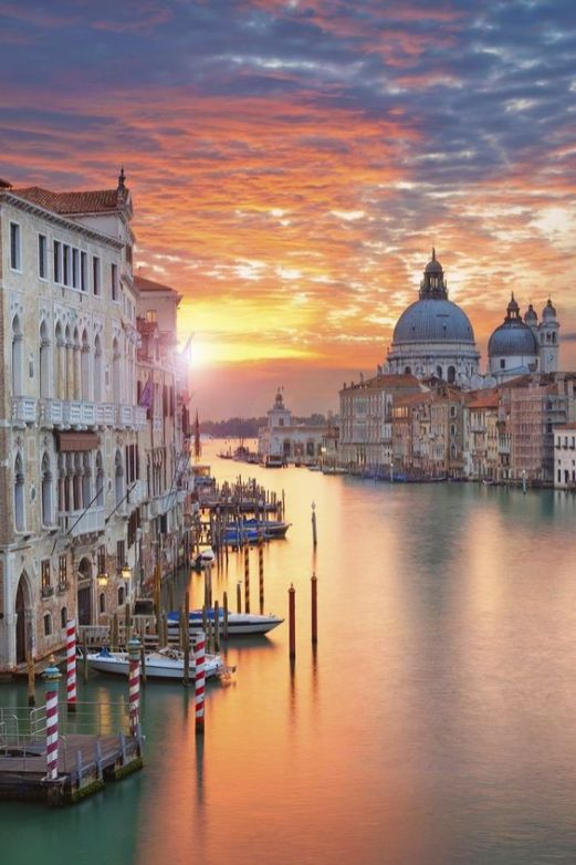 Top things to do in Venice - visit Venice at sunrise