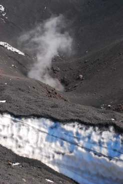 Climbing on top of Etna_023