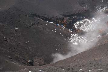 Climbing on top of Etna__018